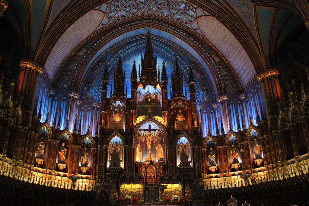 Interior da Basílica de Notre-Dame em Montreal