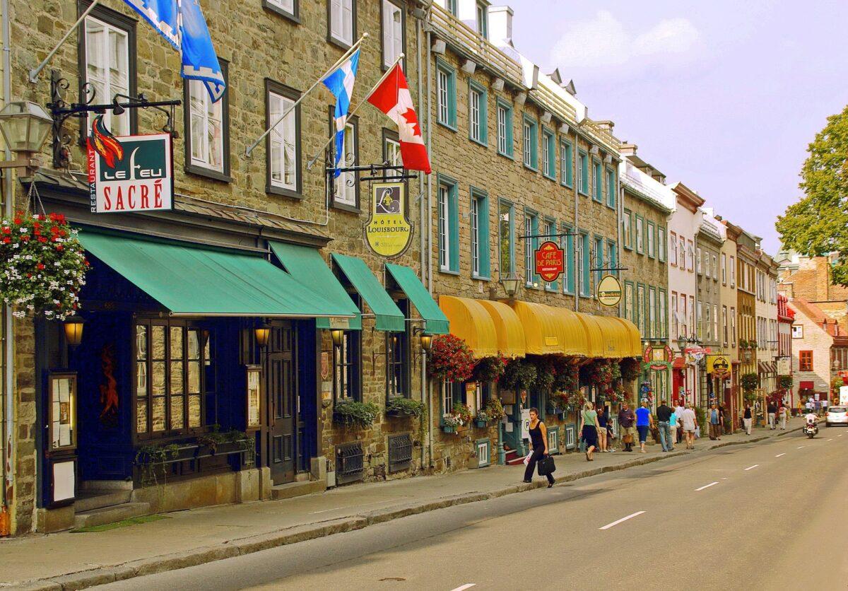 Rua em Quebec
