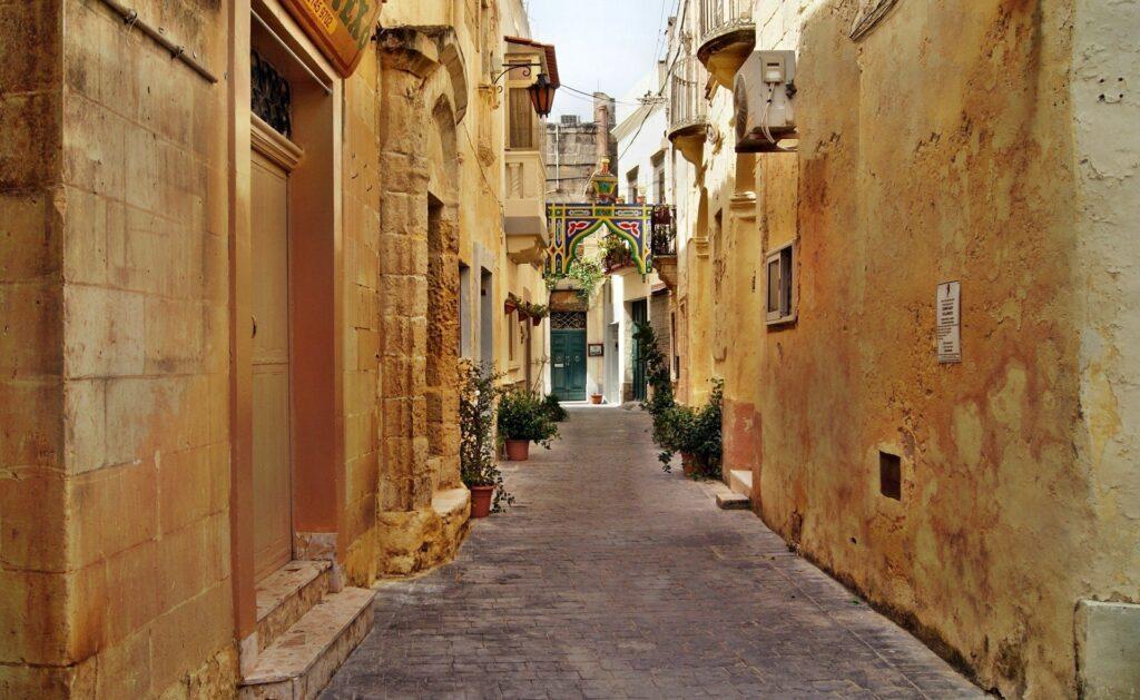 Ruas da capital de Malta