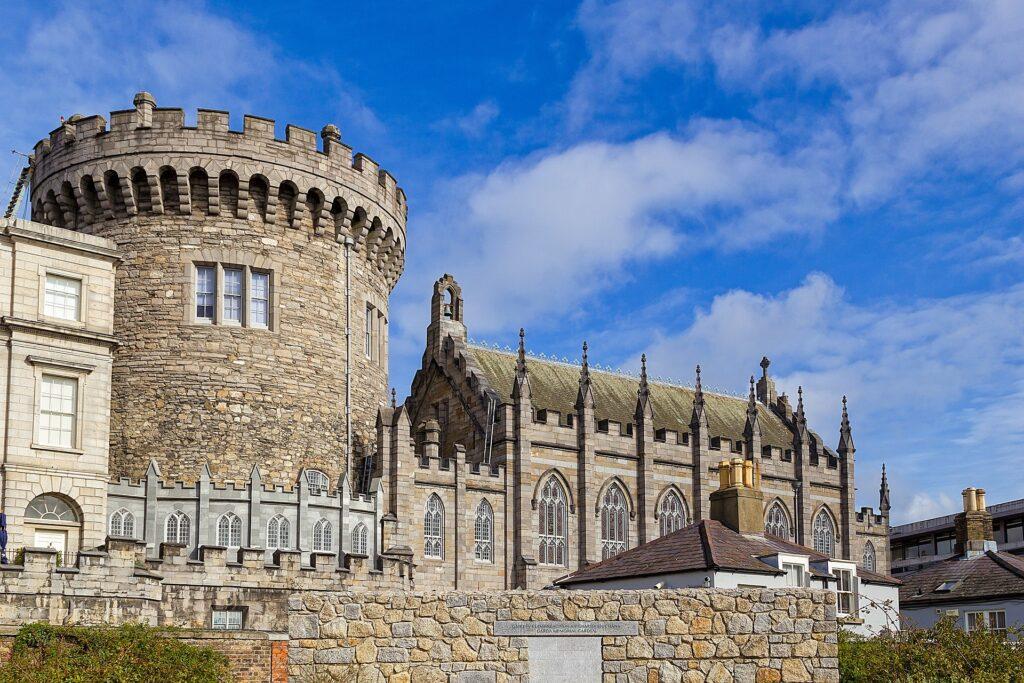 O castelo de Dublin é um grande ponto turístico