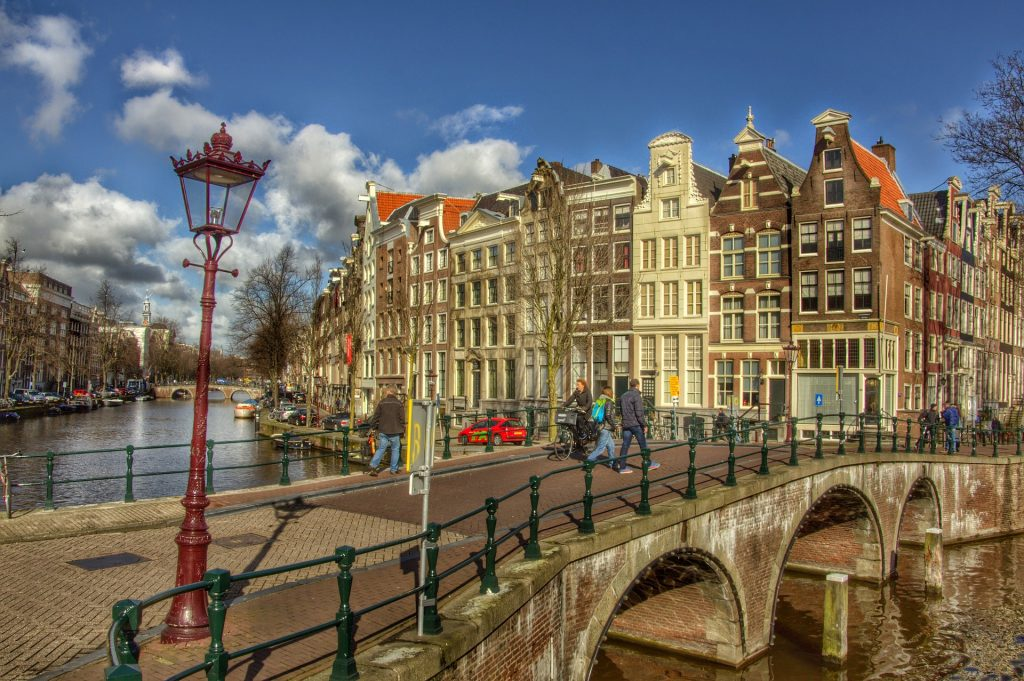 Ponte na cidade de Amsterdam