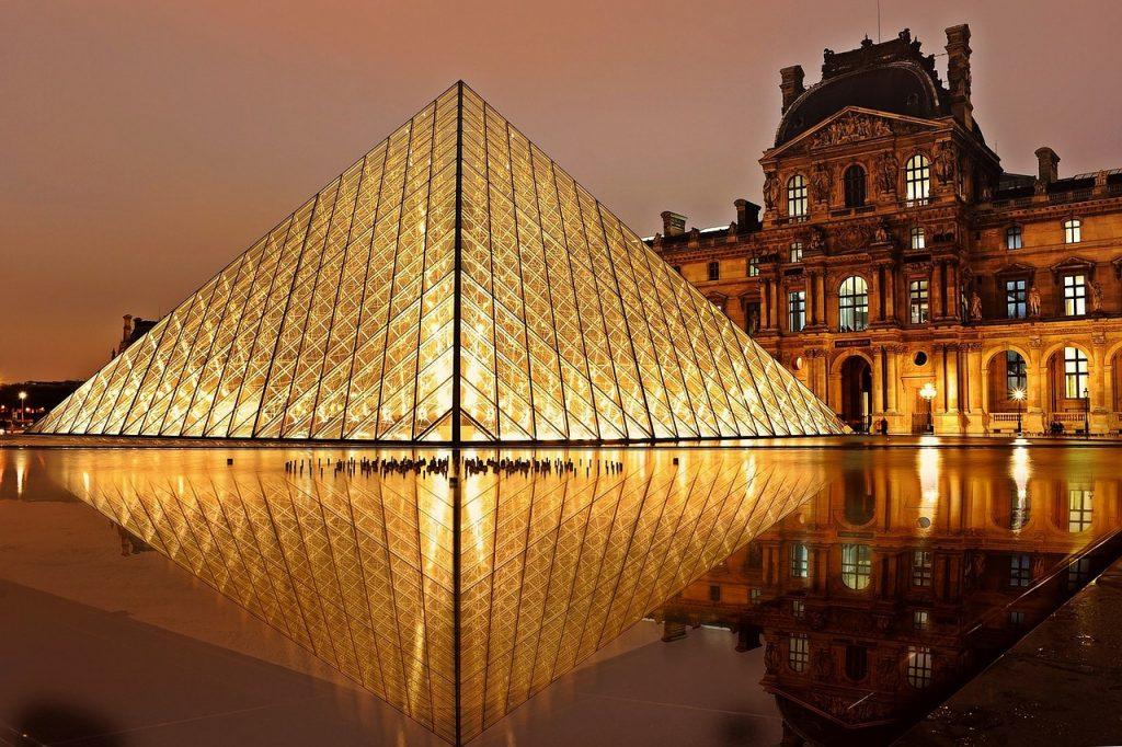 Intercâmbio na França: museu do Louvre