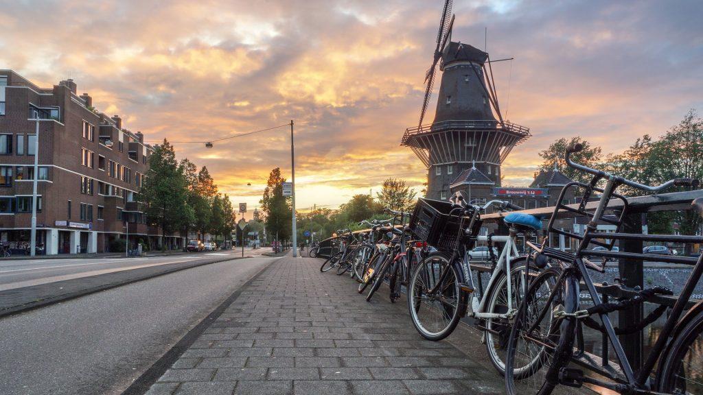 Bicicletas na cidade de Amsterdam